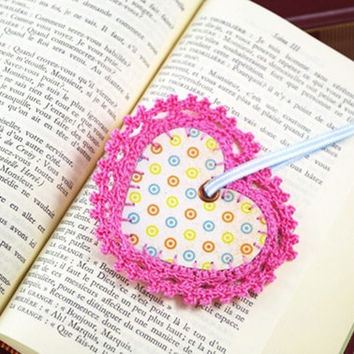 bookmark heart pink polka dot crochet bookmark lace romantic label