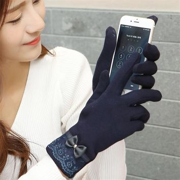 Womens Winter Touch Screen Gloves with Lace Design