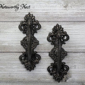 ANY COLOR Cast Iron Door pull / Ornate door pulls / door pulls // iron door handles // iron door pulls // Asian decor / foo dog // Door Pull