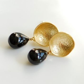 Black elegance earrings by joojooland on Etsy