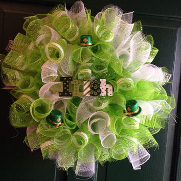 Saint Patricks Day wreath, green and white wreath, deco mesh wreath, Irish wreath, curl mesh wreath