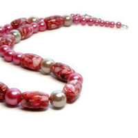 Pink Flambe Shell Necklace, Graduated Pearls, Chunky, Summer, Beach, Tropical