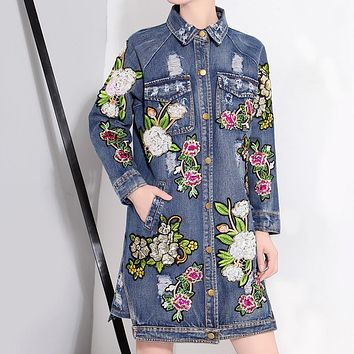 [TWOTWINSTYLE] 2017 Autumn Winter Flowers Sequins Patch Wintage Long Coats Denim Trench Coat For Women New Streetwear