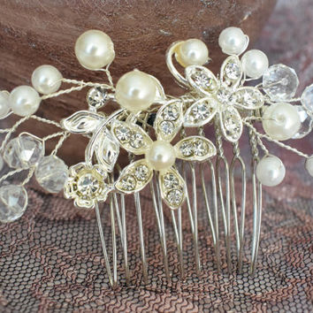 Unique wedding hair comb, Bridal hair comb, Pearl Hair Comb, Flower Hair Comb, Floral Hair Comb, Pearl Hair Accessories, Wedding hair piece