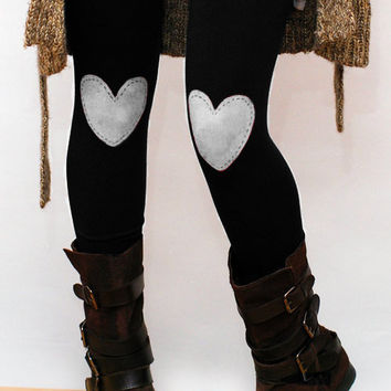 White heart patched leggings, tights in black