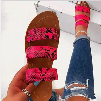 Hot style serpentine style beach flip-flops shoes