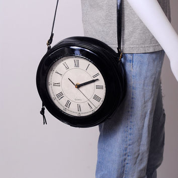 Vintage RARE round BLACK Patent Leather Working CLOCK Watch Crossbody Shoulder Bag Purse