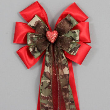 Red Sparkle Heart Camo Bow