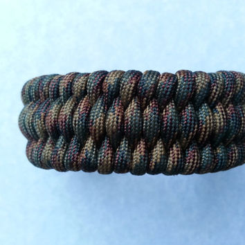 BDU camo bracelet, woodland paracord, BDU paracord, hunting bracelet, camping gear, survival gear, outdoor gear, 550 cord, green paracord
