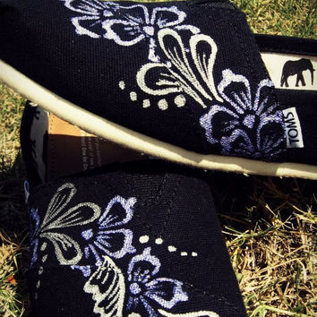 Custom Floral TOMS - Women