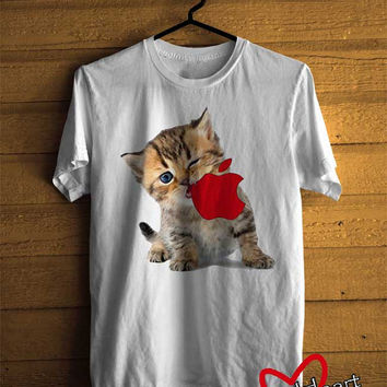 Men T-shirt : Kitten Eating Apple Logo