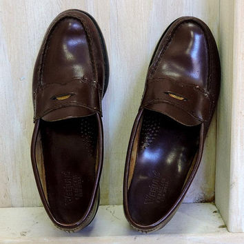 Women's WeeJuns Loafers /  size 8 EU 39 /  Vintage G. H. Bass /  Penny Loafers / brown leather loafers / made in USA