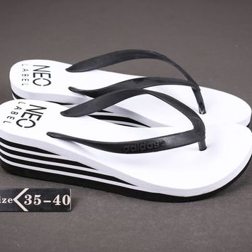 ADIDAS Fashionable casual slippers