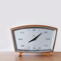 "Vintage table clock ""Majak"""