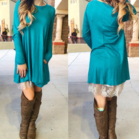COMFORT ZONE POCKET TUNIC IN TEAL