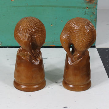 Mid Century Carved Wood Kiwi Bird Salt & Pepper Shakers .  New Zealand Matai Wood . South Pacific 1950s Polynesian . Vintage