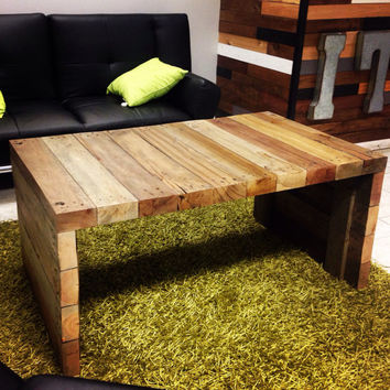 Coffee table - Reclaimed wood pallet coffee table