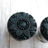 "Pair of Black Flower Button Plugs - Girly Gauges - 1/2"", 9/16"", 5/8"", 3/4"", 7/8"", 1"""