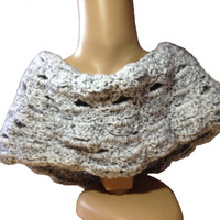 Hand crochet Cowl, Grey Cowl, Shell Pattern, Grey Scarf, Neck Warmer, Wrap, soft and warm, soft thick commercial yarn