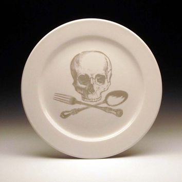 skull and cross-utensils 9 inch dinner plate in GHOSTIE GREY