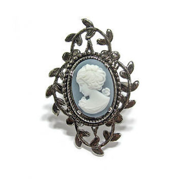 Evelyn Cameo And Leaf Surround Ring