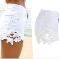 FASHION LACE DENIM SHORTS