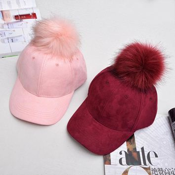 HT581 Korean Style Fashion Baseball Caps with Big Fur Pompoms Faux Suede Women Men Baseball Caps Brand Luxury Winter Hats Caps