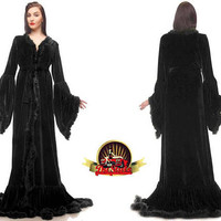 Black velvet dressing gown, Plus size velvet gown, Renaissance velvet dressing gown, Plus size gown, Velvet custom made feathers gown