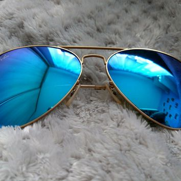 Ray Ban Aviator Sunglasses Blue Mirrored Lense 3025 large with gold frame unisex