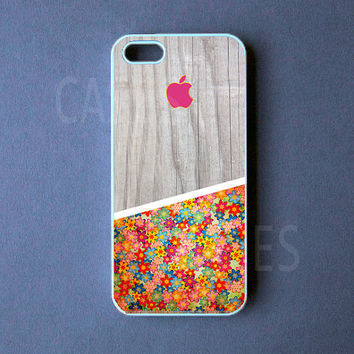 Iphone 5 Case - Pretty Iphone 5 Cover, Wood Flower Design