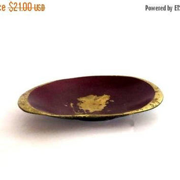 SummerSale Vintage ashtray. Ashtray. Vintage trinket dish. Trinket bowl. Vintage trinket bowl. Brass ashtray. Brass trinket dish. Metal asht