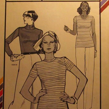 SALE Uncut 1970's Stretch & sew Sewing Pattern, 313! Fitted T Shirts/Body Suits/Leotards/Turtle Neck Sweaters/Short Sleeve Tops/Shirts/Women