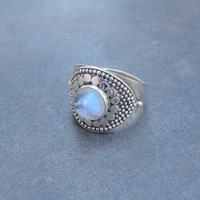 Rainbow Moonstone Ring, Designer Moon stone ring, sterling silver moonstone ring, Rainbow Moonstone Gemstone Ring Moonstone Silver Ring
