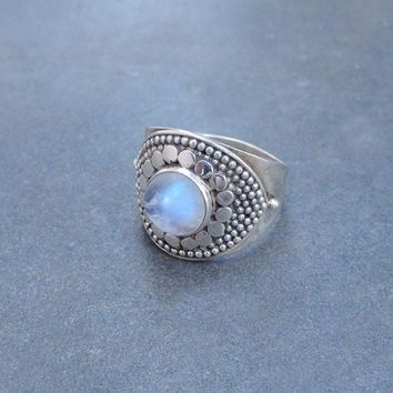 Sterling Silver moonstone ring,moonstone gemstone ring,rainbow moonstone ring,Unique Design Moon stone ring,Gift Ring, MOONSTONE SILVER RING