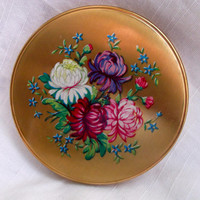 Beautiful vintage floral powder compact c1950's with pouch.