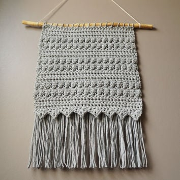 Modern Cotton Tapestry / Bohemian Wall Hanging / Fringe Tapestry / Crochet Hand Woven / Dove Gray / Grey / Rustic Textile / Boho Home Décor