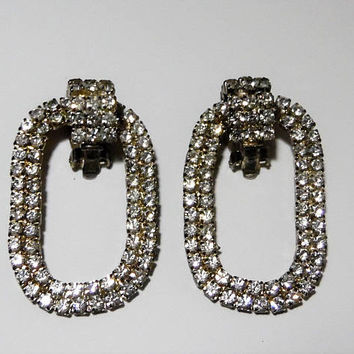 Dangling Oval Crystal Rhinestone Earrings, 1980s Jewelry,  Bridal Special Occasion, Clip On Earrings,   1117