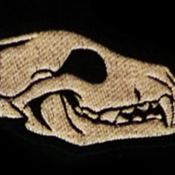 GLOW in the dark - Wolf / Fox skull - Embroidered sew-on patch