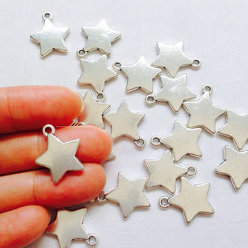 5 Solid Star Charms Antique Silver Tone 2 Sided