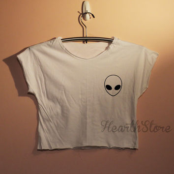 Alien Shirt Crop Top Midriff Mid Driff Belly Shirt Women - size S M