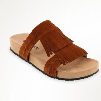 DCCKAB3 Minnetonka Daisy Brown Fringe Sandals