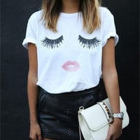 SIMPLE - Eyelashes and Red Lips Printed Cotton Round Necked Short Sleeve T-Shirt Top a11127