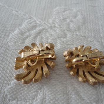 Trifari Crystal Rhinestone Earrings Brushed Gold Tone Ladies Clip On Vintage