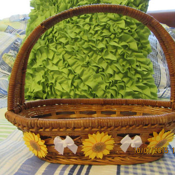 SMALL Natural Wicker Basket with Yellow Daisies -White Bow Accent-Flower Girl Basket-Wedding-Wedding Decoration-Gift Idea-Country Decor