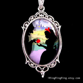 Snow White with A bad apple Necklace Fairy tale by RingRingRing
