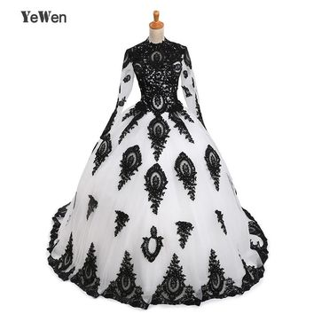 1M train Vintage 2017 Black With White Long sleeve Muslim Lace Appliques Bridal Gowns Bride A-line Wedding Dresses vestido de no