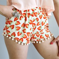FESTIVAL STRAWBERRY PRINTS POM POM HEM BEACH SHORTS 6 8 10 12