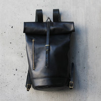 Moto Rolltop All Leather Backpack in Noir