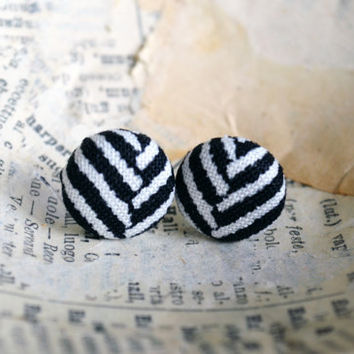 Herringbone Fabric Button Earrings - Herringbone Fabric - Black and White Earrings - Fabric Button Earrings, Hipster Trend, Party Favor