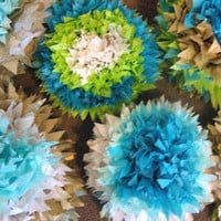 Oh, what a Gloriousmess!: Tutorial Thursday: Tissue Paper Pompoms